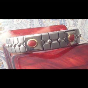 Jewelry - NWOT Silver stretch bracelet w/ beautiful stones.